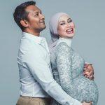 azrinaz mazhar hakim selamat lahirkan bayi perempuan