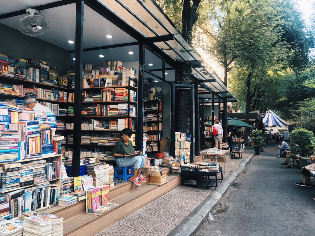 Book Street Nguyen Van Binh