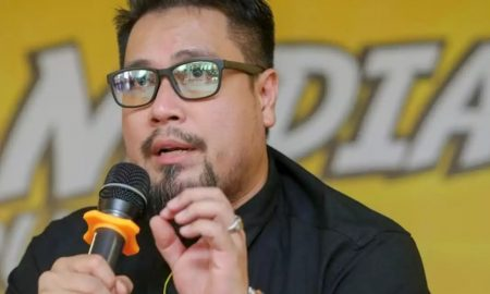 netizen bengang artis minta bantuan kerajaan