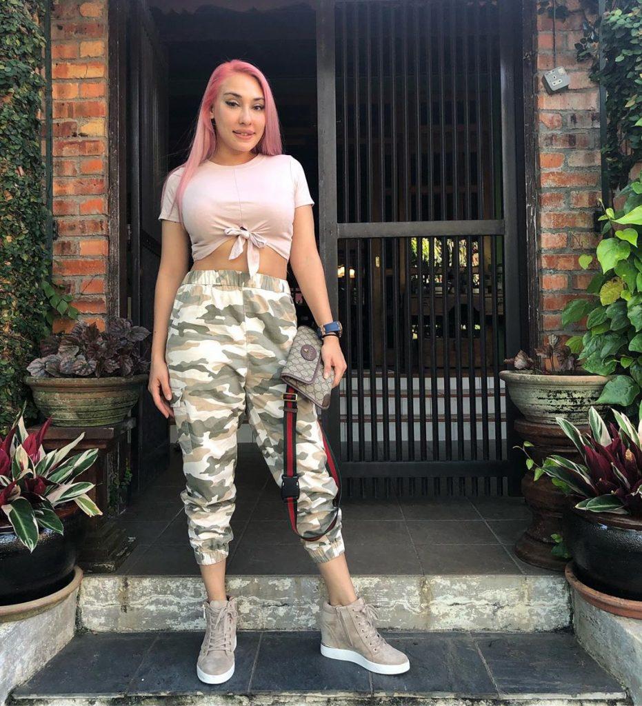 zarina anjoulie dedah artis hina netizen