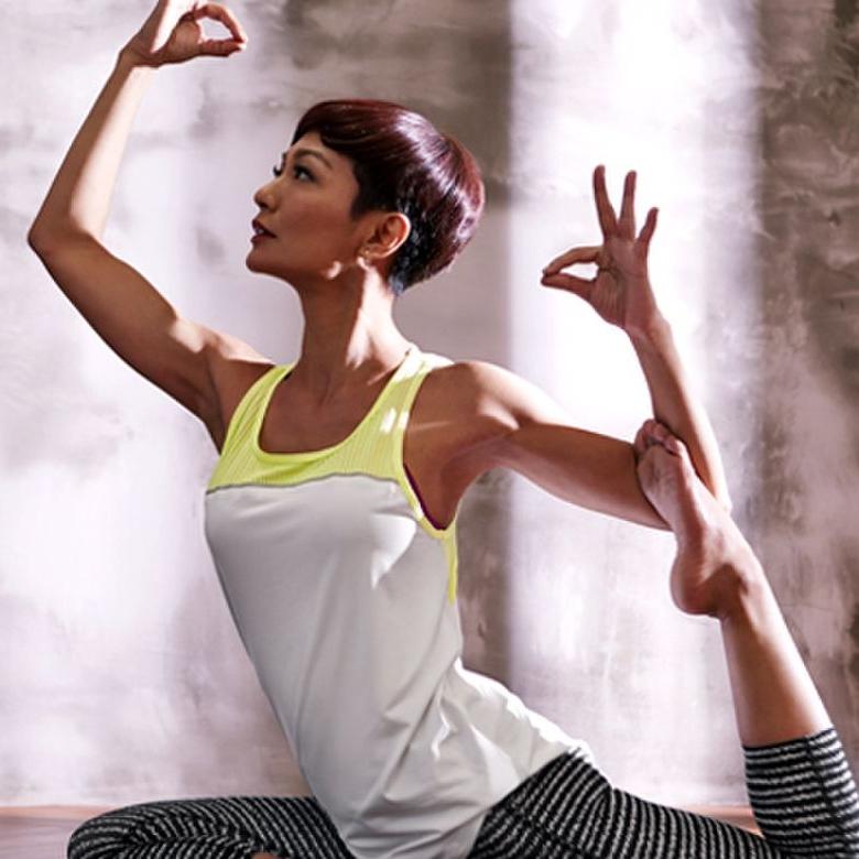 atilia yoga tak pakai kasut dalam pasar raya