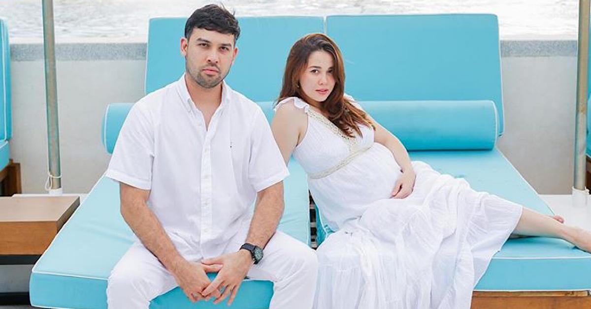 emma maebong hamil empat bulan