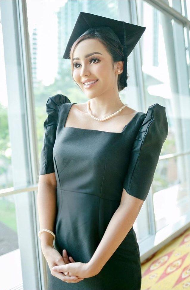 9 Bulan Tak Jumpa, Nadiyah Shahab Rindu Keluarga Di Singapura