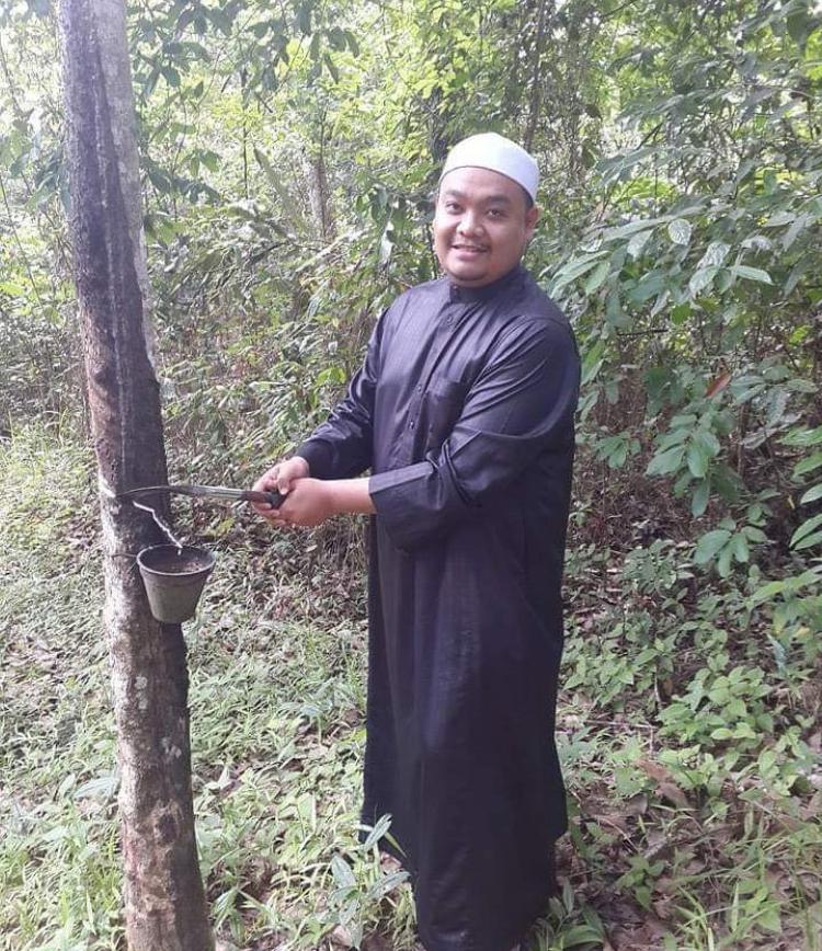 Ustaz Abu Syafiq Selar Wanita Berpakaian Ketat Ketika Berbasikal