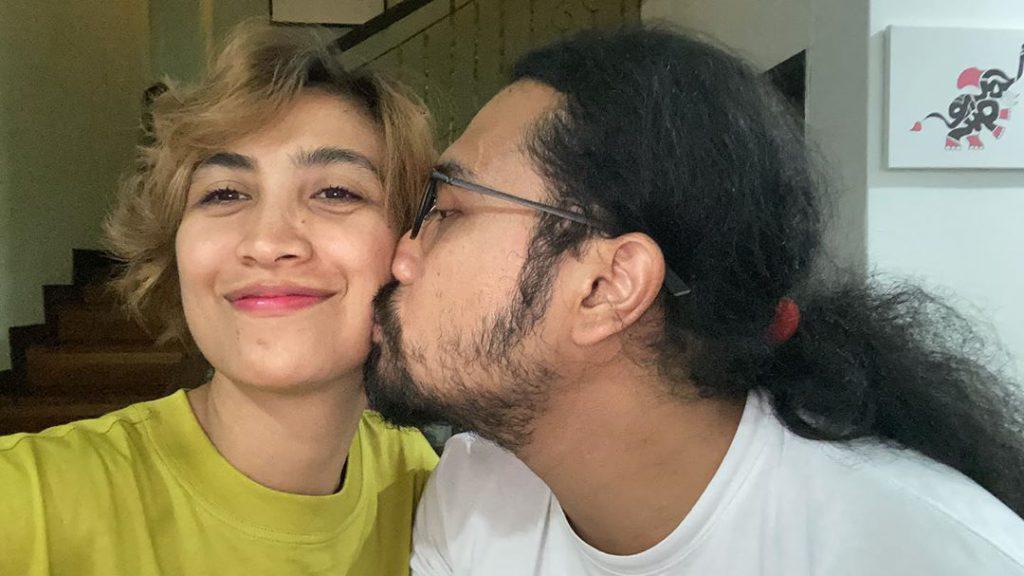 "Sambut Ulang Tahun Kelahiran Isteri, Johan Akui Hanya Mampu Hadiahkan Jam Tangan ""BABY-G"""