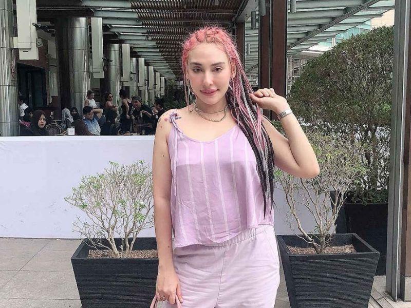 """""""Stop Minta Duit Aku!"""" - Zarina Anjoulie Meluat Penghutang Ah Long DM Nak Pinjam Duit"""