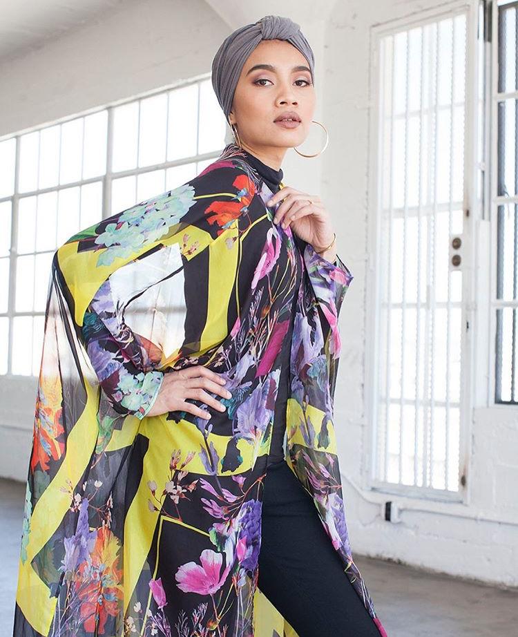 Sambut Ulang Tahun Kelahiran Ke-34, Netizen Seru Yuna Agar Berpakaian Lebih Sopan 7