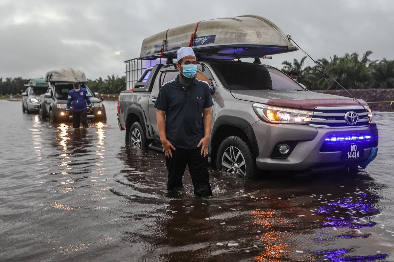 Ebit lew banjir perak