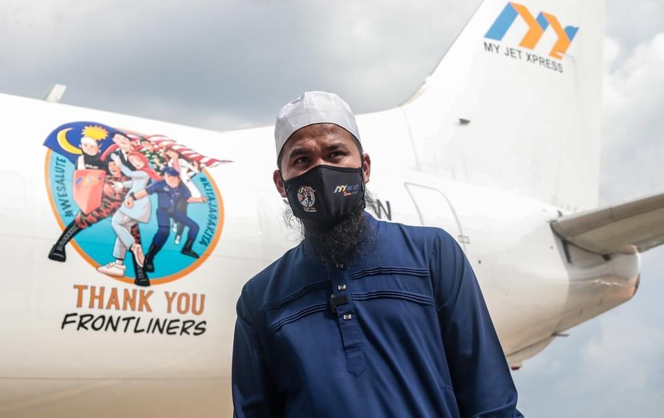 Rezeki Hari Lahir, Ustaz Ebit Lew Raih Anugerah Khas Wira MeleTOP 4