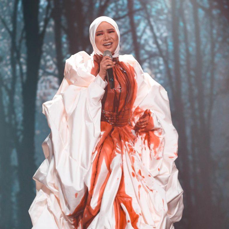 Aina Abdul AJL34