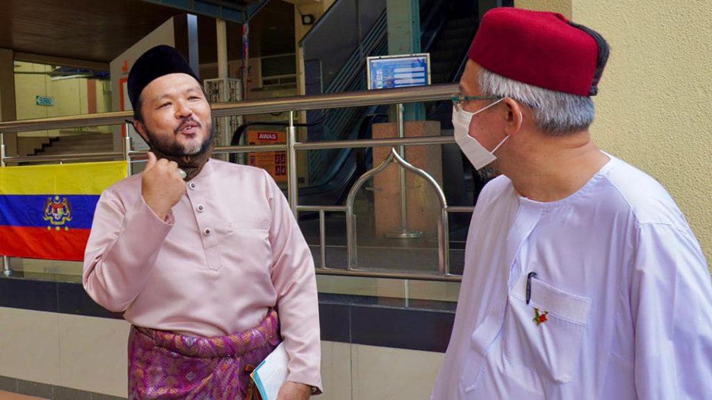 'Detektif Lim' Gerak Khas Selamat Bergelar Suami, Nikah Pada Usia 55 Tahun 3