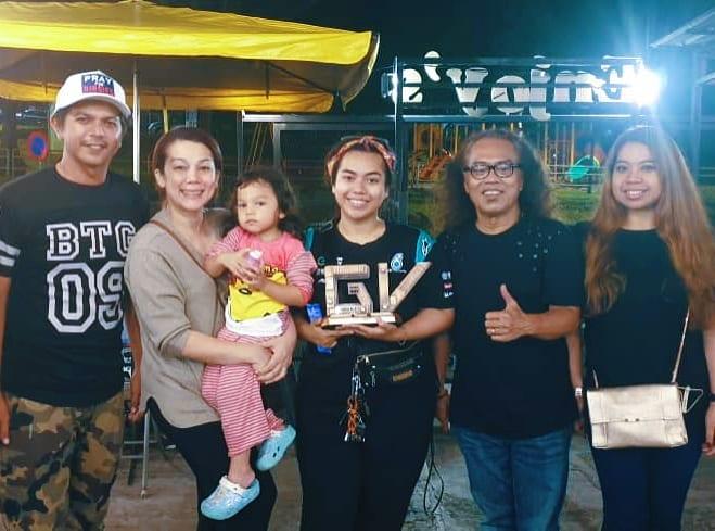 Shiera Ijoy dan keluarga
