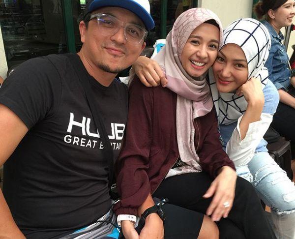Engku Emran dan bekas isteri