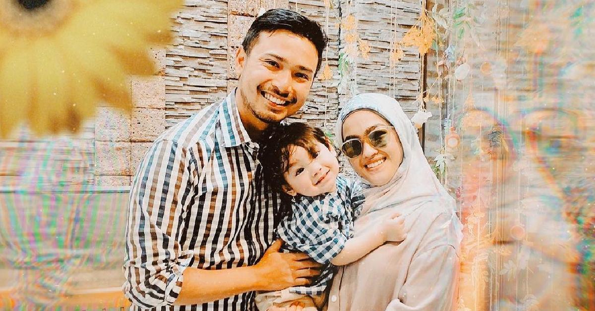 Elfira Loy dan keluarga