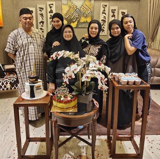 Shiera keluarga