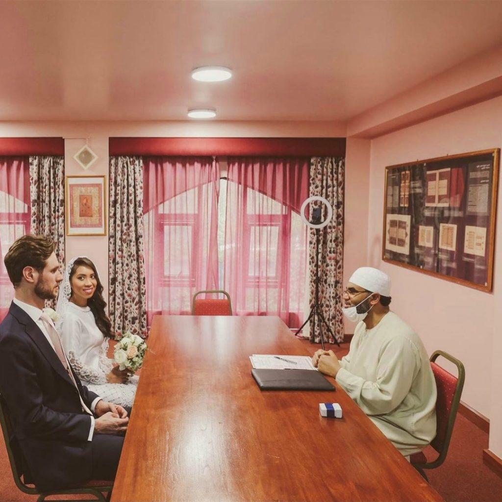(TAHNIAH) Dr Amalina Selamat Bernikah Dengan Lelaki Pilihan, Tunda Majlis Resepsi 2