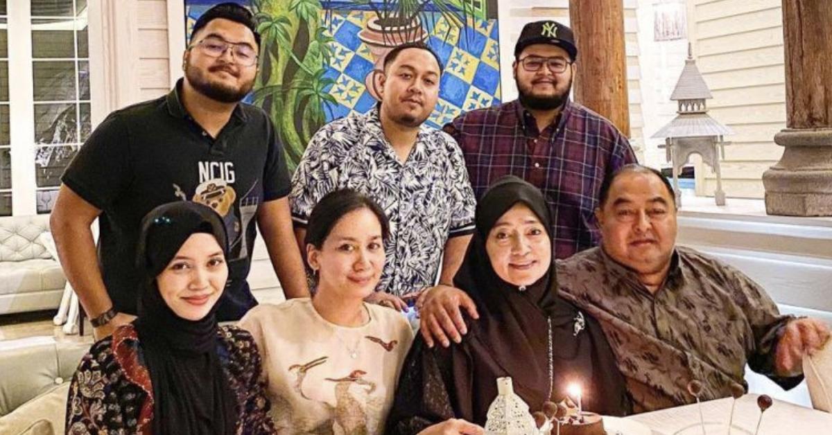 Marsha Milan Londoh dan keluarga