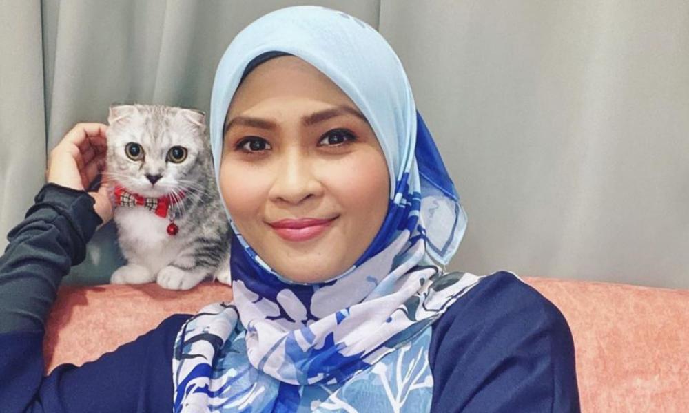 """""""Kita Cuba Bantu Mereka.."""" – Siti Nordiana Menyokong Kempen Bendera Putih"""