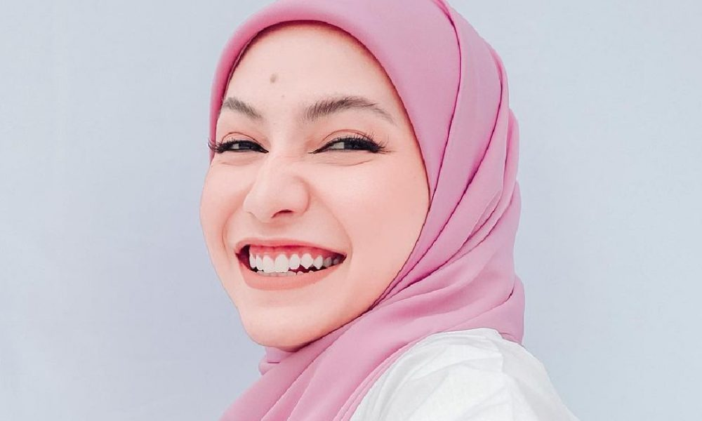 Dikecam Kerana Kongsi Video Cuci Tuala Wanita, Aishah Azman Tak Serik Berdakwah
