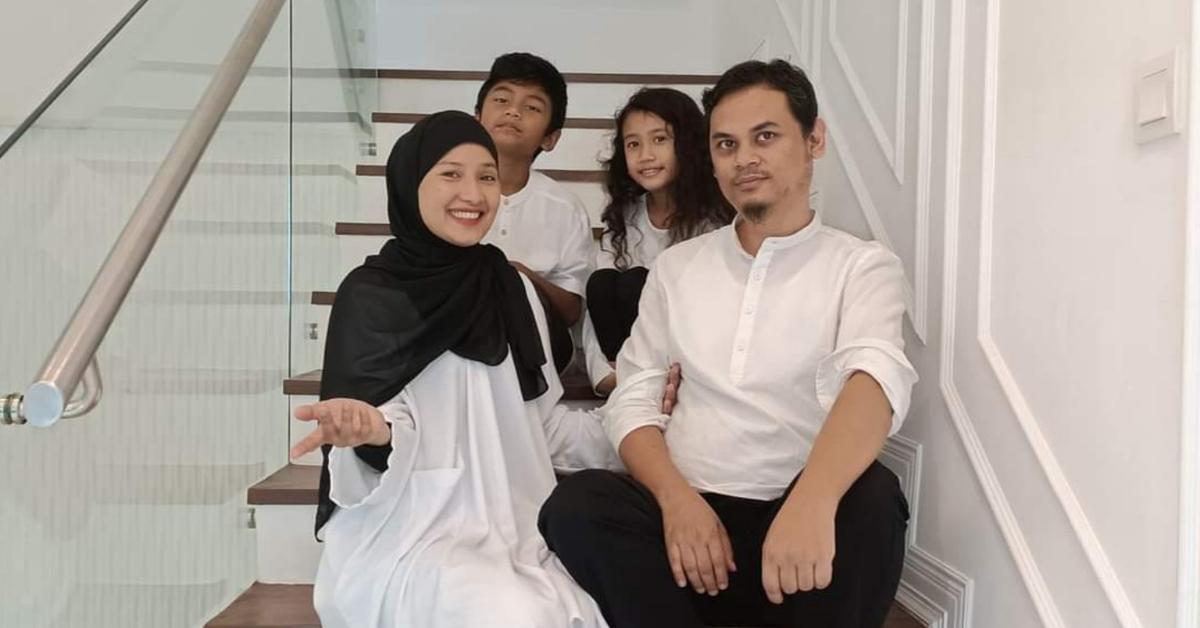 Keluarga Ahmad Firdous Abang Siti Sarah