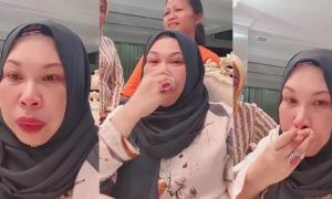 Dato Vida menangis