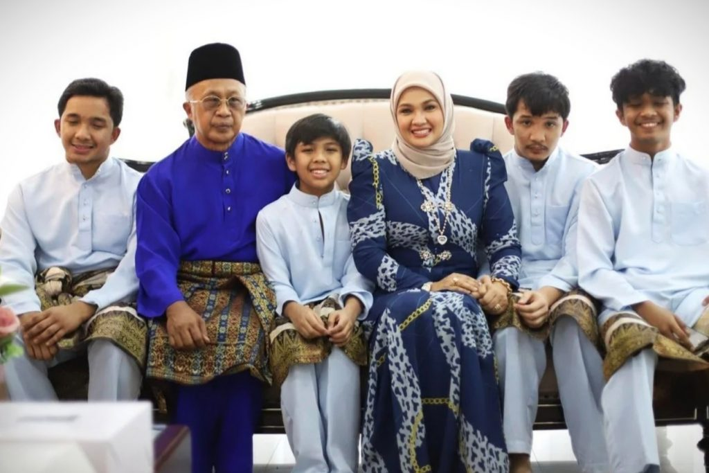 Keluarga Zarina Zainuddin